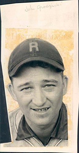 (Vintage Photos Undated Press Photo MLB St Louis Cardinals Pitcher John Grodzicki - snb3763)