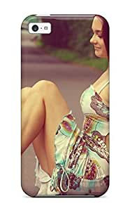 linJUN FENGDeniseMA WJJMeaB2494XZLNY Case For iphone 5/5s With Nice Barefeet Girl On The Road Legs Crossed Brunette Barefoot Forest People Women Appearance