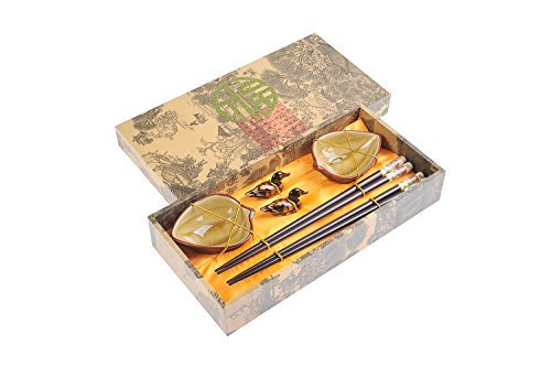 Abacus Asiatica: ''Moutan Peony'' elegant chopstick set in a decorative box, with carved-wood chopsticks, rests, ceramic bowls (2 pairs of chopsticks, 2 rests, 2 bowls), Mod. CBS-S2-G-H03 (US)