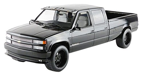 1997 Chevrolet C-2500 Crew Cab Silverado Pickup Truck Black 1/18 by Greenlight 19016