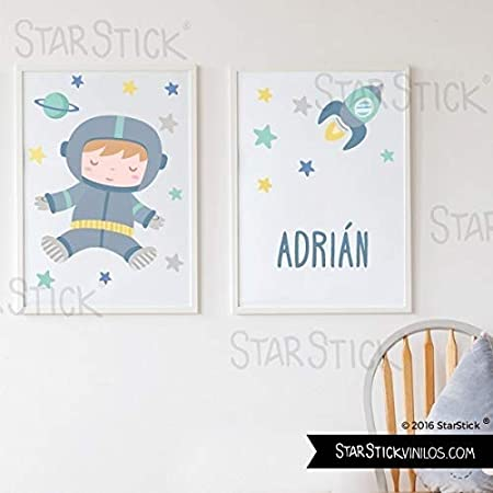 Pack de 2 láminas de cuadro decorativas para bebé personalizadas - Astronauta baby + Cohete con nombre - A4-210 x 297 mm: Amazon.es: Hogar