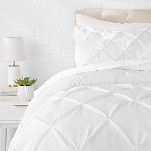 AmazonBasics - Juego de cama con colcha fruncida en pellizco, 260 x 220 cm, Blanco