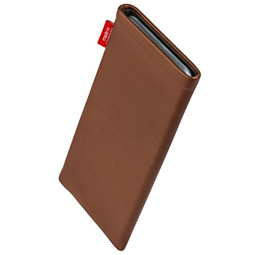 fitBAG Beat Brown custom tailored sleeve for BlackBerry Leap. Fine nappa leather pouch with integrated microfibre lining for display cleaning