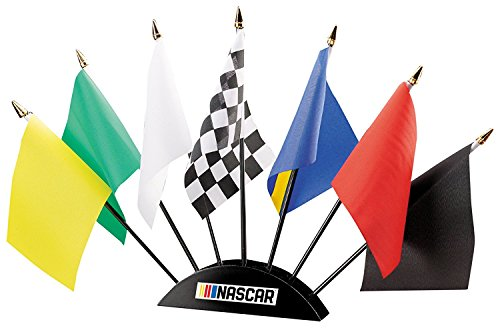 NASCAR 7-Piece Race Flag Set ()