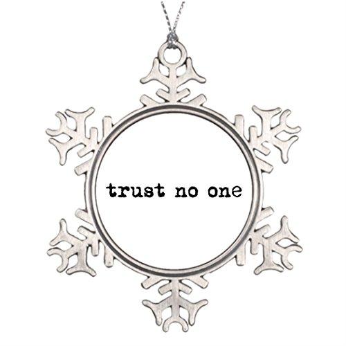 [dokky J Best Friend Snowflake Ornaments TRUST NO ONE Family Snowflake Ornaments] (Best Cult Halloween Movies)