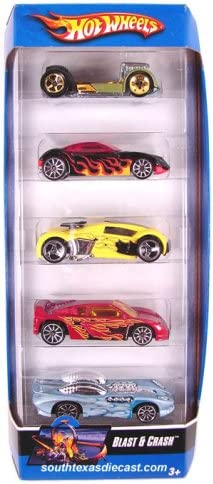 Hot Wheels 5 Car Gift Pack - Blast and Crash by: Amazon.es ...