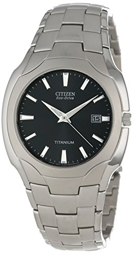 Citizen Men's Eco-Drive 38mm Titanium Bracelet Watch ()