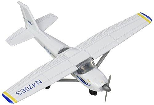 (Daron Worldwide Trading Runway24 C172 No Runway Vehicle, Blue/White)