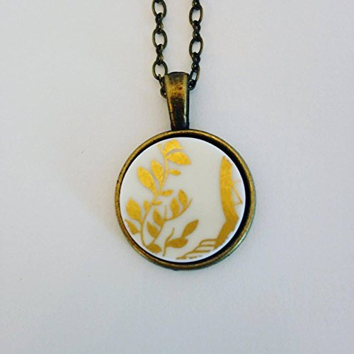 Amazon gold vine broken plate pendant china plate jewelry gold vine broken plate pendant china plate jewelry aloadofball Choice Image