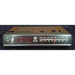 Vintage 80s GE Digital Alarm Clock AM/FM Radio Model 7-4624A Woodgrain