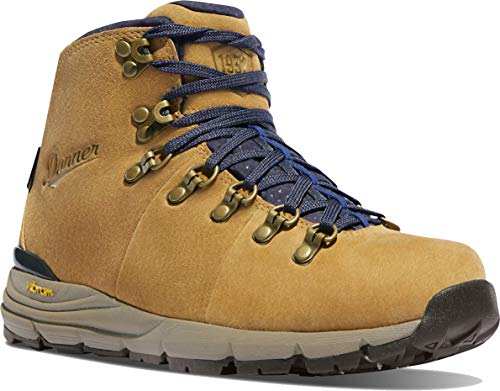"Danner Women's 62255 Mountain 600 4.5"" Waterproof Hiking Boot, Sand - 9 M"