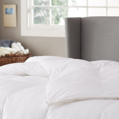 Pinzon Hypoallergenic White Duck Down Comforter, 100% Cotton Cover - Medium Warmth, Twin