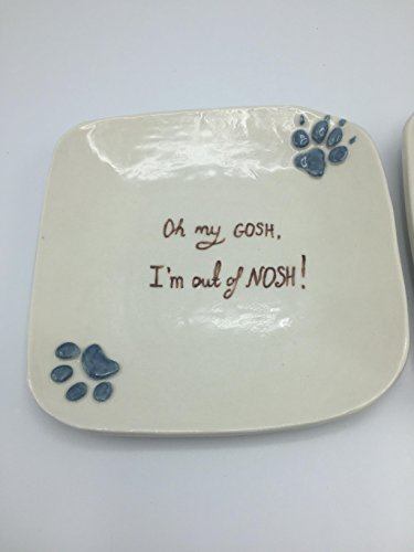 Pet food bowl with paw prints