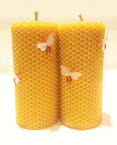 100% Beeswax Pillar Candles Set of 2 Candles Size 5 x 2.36 in (13 x 6 cm) Hand Rolled Natural And Lovely Honey Scent 100% Handmade Eco Candles With Decorative Bees