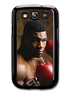 Mike Tyson Heavyweight Champion Boxer Posing with Gloves carcasa de Samsung Galaxy S3 A4660