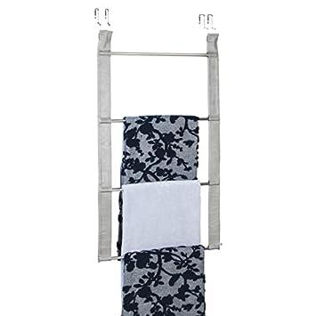 mDesign Toallero sin taladro – Práctico toallero de puerta de gran capacidad con 4 barras para