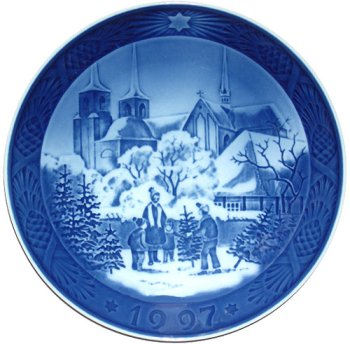 1997 Collectors Plate (Royal Copenhagen Annual Hand Decorated Christmas Plate 1997)