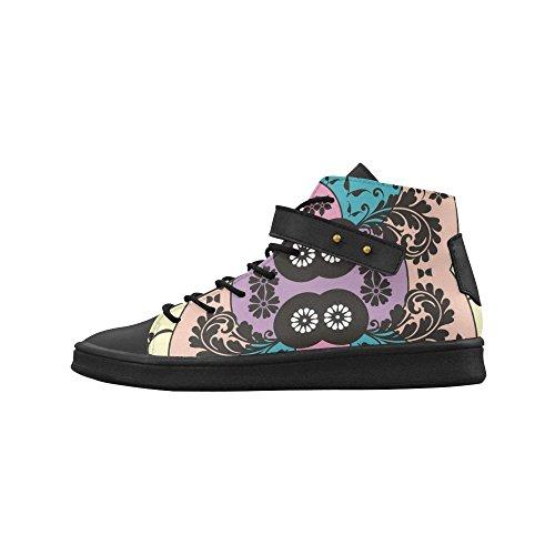 Le Scarpe Da Donna E Le Scarpe Da Donna Con Punta Arrotondata Arricchiscono La Sneaker