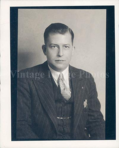 (1934 Photo Carlton Hahn Manager Union Office Portrait Striped Suit Vintage)