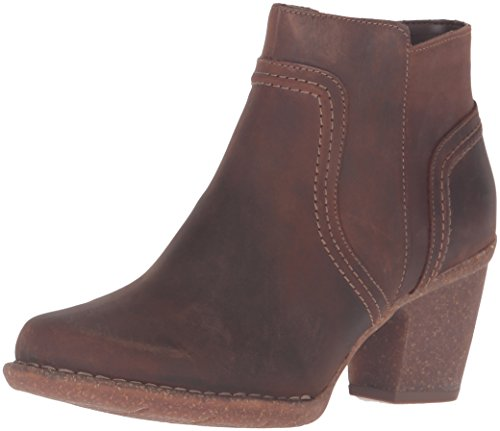 CLARKS Women's Carleta Paris Boot Brown Oiled Nubuck
