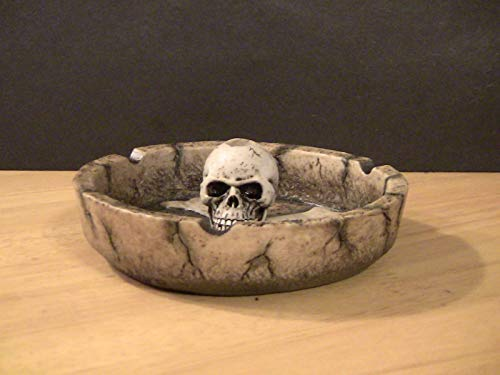 Resin Skull Ashtray Myths & Legends in Original