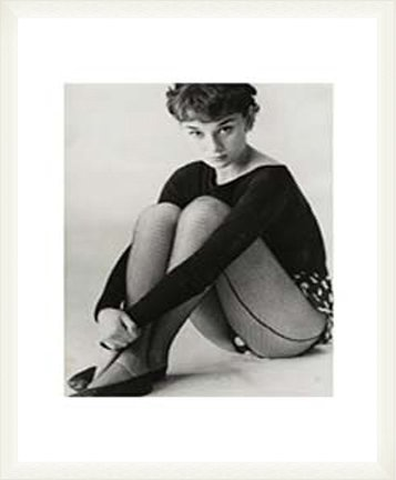 ポスター バッサーノ オードリー ヘップバーン 1950 額装品 ウッドベーシックフレーム(ホワイト) B0096XYG7U ホワイト ホワイト