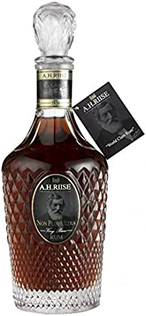 AH Riise AH Riise Non Plus Ultra Very Rare Spirit Drink 42% Vol. 0,7L In Giftbox - 700 ml