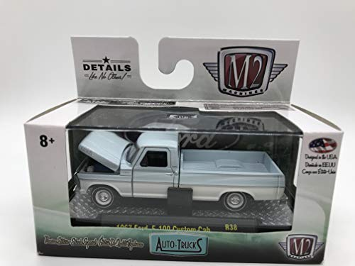 M2 Machines Auto-Trucks 1967 Ford F-100 Custom Cab 1:64 Scale R38 16-24 Light Baby Blue Details Like NO Other! Over 42 Parts 1 of 9800 ()