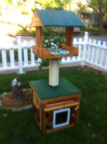 Large Heated Cedar Outdoor Cat House with Heated Loft