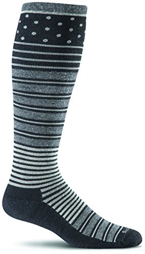 Price comparison product image Sockwell Women's Twister Graduated Compression Socks, Black, Medium/Large