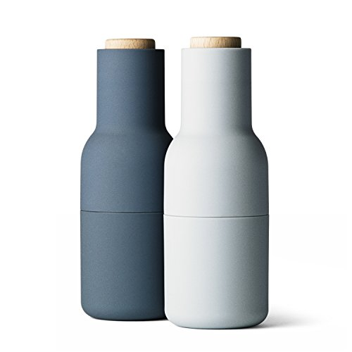 We love the moody blues of these sophisticated salt & pepper mills which complement a minimalist kit