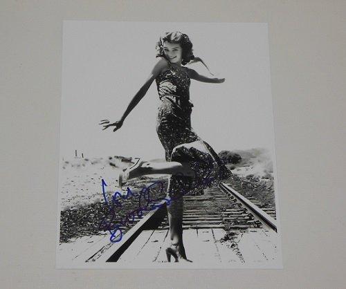 Pretty Baby Brooke Shields Signed Autographed B/W 8x10 Glossy Photo Loa ()