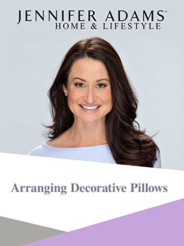 arranging-decorative-pillows