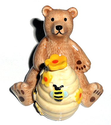Pfaltzgraff 2 Piece Bear and Honey Comb Salt and Pepper Shaker Handpainted
