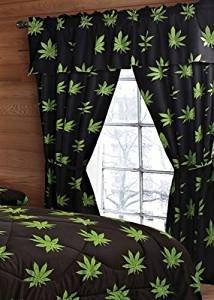 Pot Leaf Curtain Set – 5 Piece