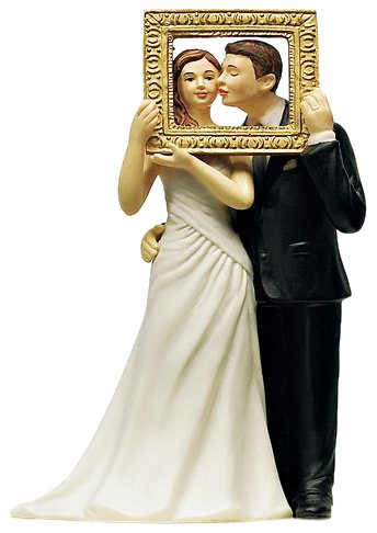 amazoncom weddingstar picture perfect couple figurine kitchen dining