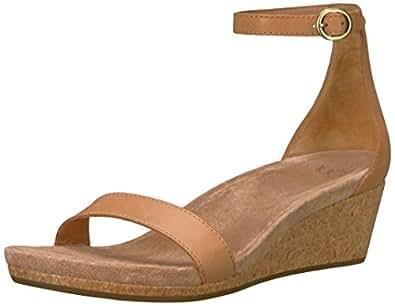 Amazon Com Ugg Women S Emilia Wedge Sandal Natural 5 5