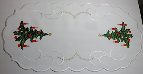 Old World Linens (Christmas Doilies Linen. Oval with Old World Tree Design. Unique Accent with Gold Stars.)