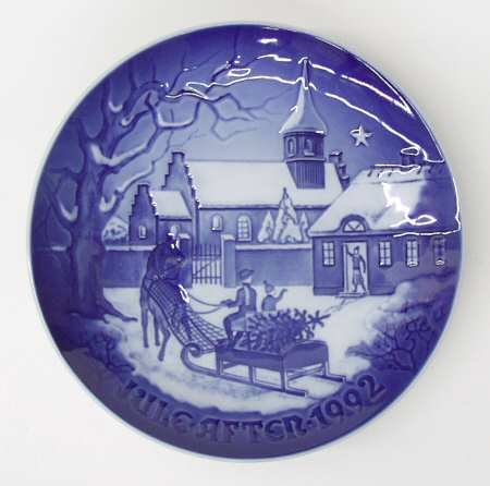 1992 Christmas Plate (1992 Bing & Grondahl Christmas Plate -- The Pastor's Farm -- Limited Edition -- Imported from Denmark -- New in Box with original COA)