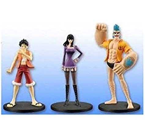One Piece Trading  Box of 8 Straw Hat Pirates Chozokei Damashii New World Ver