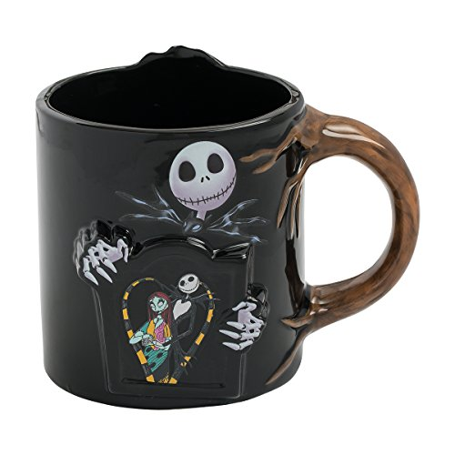 - Vandor 84101 The Nightmare Before Christmas 20 Oz. Mug