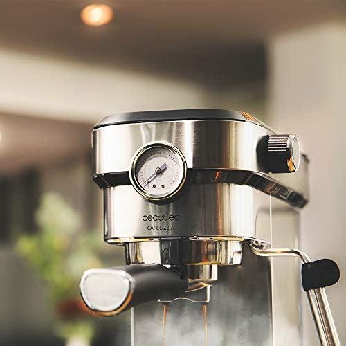 Cecotec Machine à café Express Cafelizzia 790 Steel Pro. Acier Inox, Système Thermoblock, 20Bars, Mode Auto pour 1 et 2 Café(s), Buse vapeur Orientable, Conduit d'eau pour Infusions, Manomètre, 1350W.