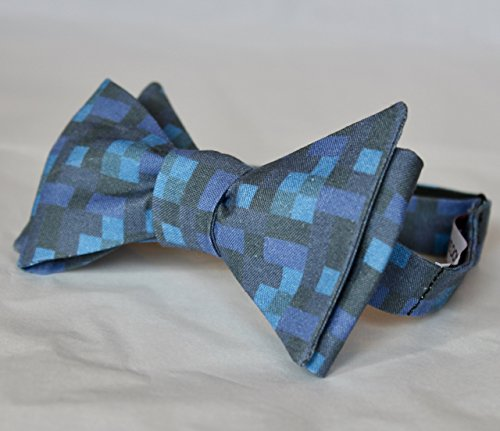 Pixilated Water Bow Tie in Blue - Minecraft computer game - Tie Pixelated
