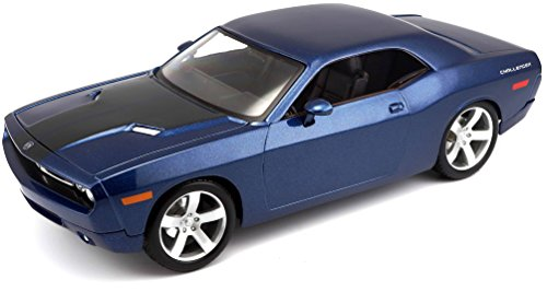 (Maisto 1:18 Scale 2006 Dodge Challenger Concept Diecast Vehicle (Colors May)