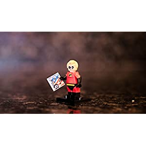 LEGO Disney Series 16 Collectible Minifigure - Mr. Incredible (71012)