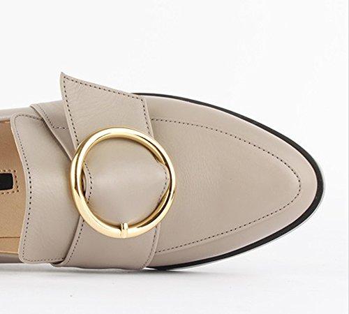 Che Evoca Comode Scarpe Piatte Basse In Pelle Beige Con Fibbia Ad Anello Oro E Tacco Basso Per Donna Monocolore