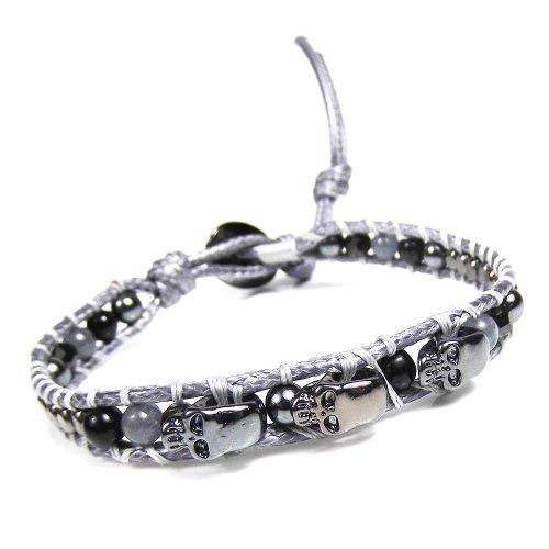 Black Bracelet Agate Carved (Three Menacing Skulls Black Stones Single Strand Bracelet)
