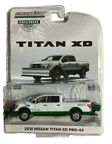 Greenlight Chase Green Machine 30021 2018 Nissan Titan XD Pro-4X with Snow Plow and Salt Spreader Hobby Exclusive 1:64 Scale