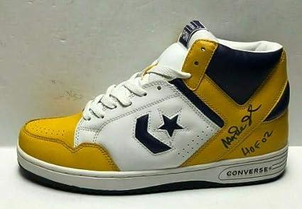 verdad Imitación noche  Magic Johnson Signed Converse Weapon Basketball Shoes