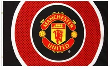 Amazon Com Manchester United Giant Crest Flag Sports Outdoors